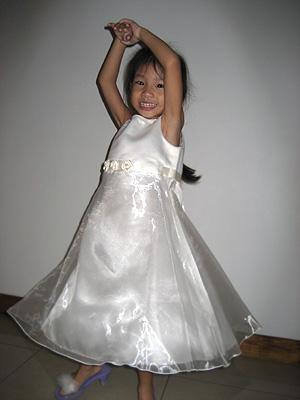 20060814_dresses.jpg